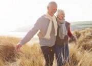 """Cuore e donne anziane: la passeggiata """"salva"""" dall'insufficienza cardiaca"""