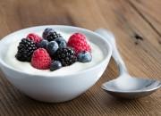 Minor rischio di cancro al colon per gli uomini che mangiano yogurt