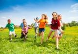 Bambini: giocare all'aria aperta previene la miopia