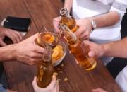Bere, anche moderatamente, non fa bene