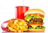 Obesità: cibo e bibite junk, nei bambini aumentano i rischi per la salute