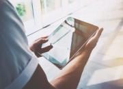 La salute mentale si cura anche con le App. Quali sono i rischi e i vantaggi?