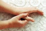 Osteoartrite mani: patologia in aumento e donne più a rischio degli uomini