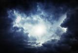 """Siccità e carenza di cibo si combattono con """"l'inseminazione"""" delle nuvole"""