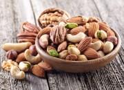 Diabete tipo 2: minor rischio di cardiopatie se si mangia frutta secca