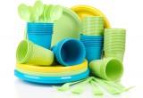 Rivoluzione plastica: Ue propone bando piatti e bicchieri di plastica per arginare inquinamento