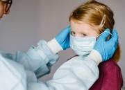 COVID-19, studio coreano: più facile contrarre il virus in famiglia